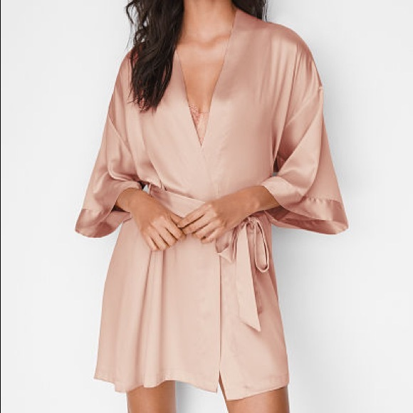 71169395967 NWT Victoria s Secret Very Sexy Short Satin Kimono